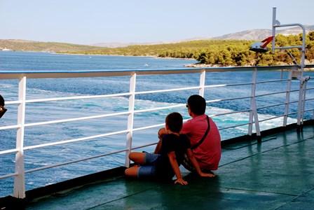 Relajante trayecto en el ferry de Split a la Isla de Hvar (Croacia)