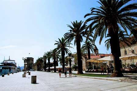 Riva o Paseo Marítimo de Trogir (Croacia)