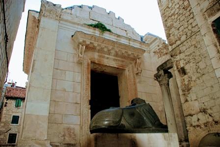 Templo de Júpiter, actual Baptisterio de San Juan en Split (Croacia)